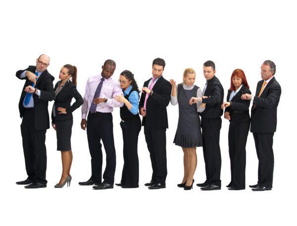 Основная иллюстрация к статье о зарплатных карточках, изображает очередь в бухгалтерию за зарплатой.5c5b4d57f30b1