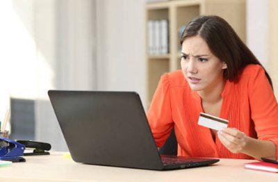 Если новая кредитная карта сама не активируется длительное время, требуется сообщить об этом в Сбербанк. Возможно, произошел технический сбой. Сотрудник подскажет, как провести активацию или поможет ее осуществить.5c5b4f872887f