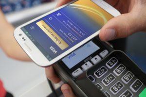 Бесконтактная оплата с помощью смартфона5c5b54923dfa5