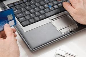 Наличие зарплатной карты дает возможность осуществлять платежи через Интернет5c5b5778977e3