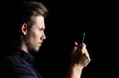 Удалить историю операций, переводов и платежей любого статуса через Айфон или любой другой телефон в мобильном приложении не получится5c5b5a27e4815