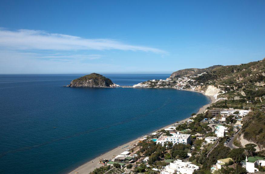 Вид на пляж Марина-деи-Маронти5c5b5d00db9ea