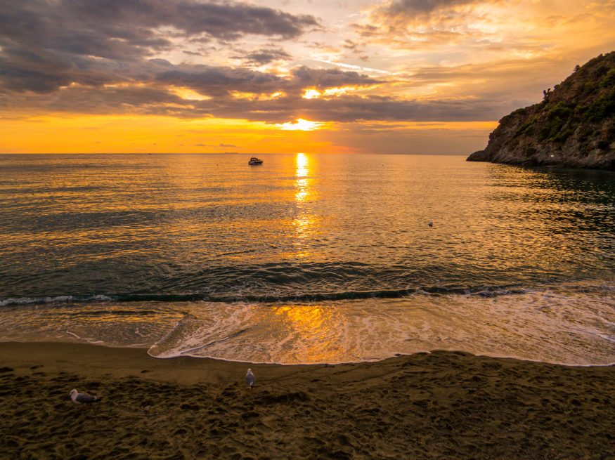 Закат над пляжем Spiaggia di San Francesco5c5b5d022f889