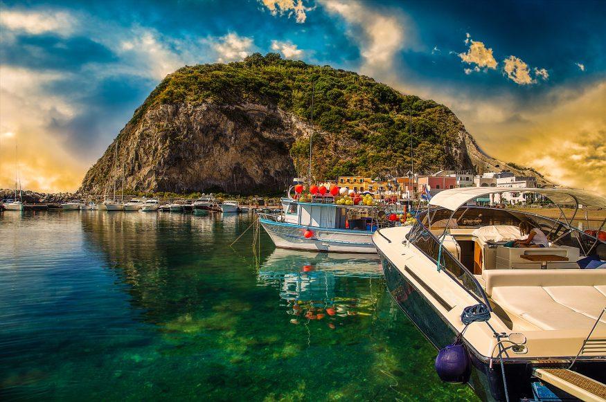 Лодки на острове Искья5c5b5d0356c0c
