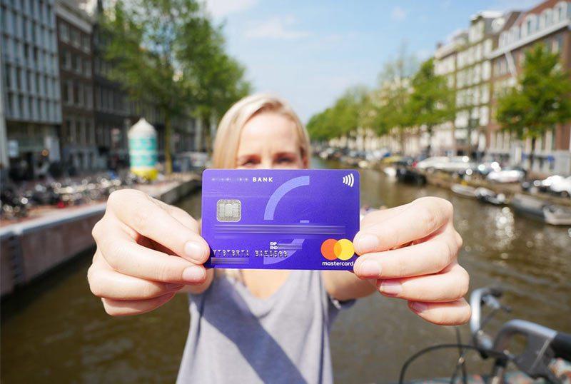 Какая банковская карта лучше для путешествий?5c5b612fd1e24