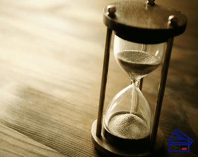 Банк должен узнать о ваших планах на частично досрочное погашение кредита минимум за 7 дней до предполагаемой даты очередного платежа5c5ac4e8b7d35