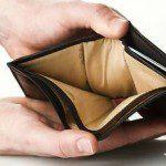Что делать, если зарплата резко упала, а нужно платить кредит?5c5ac35fcef75
