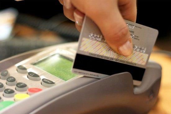 Кредитной картой Сбербанка можно расплатиться за покупки в магазине5c5ac1ac666e2