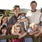 Льготы от статуса многодетной семьи: как их получить{q}5c5b15ccadd9c