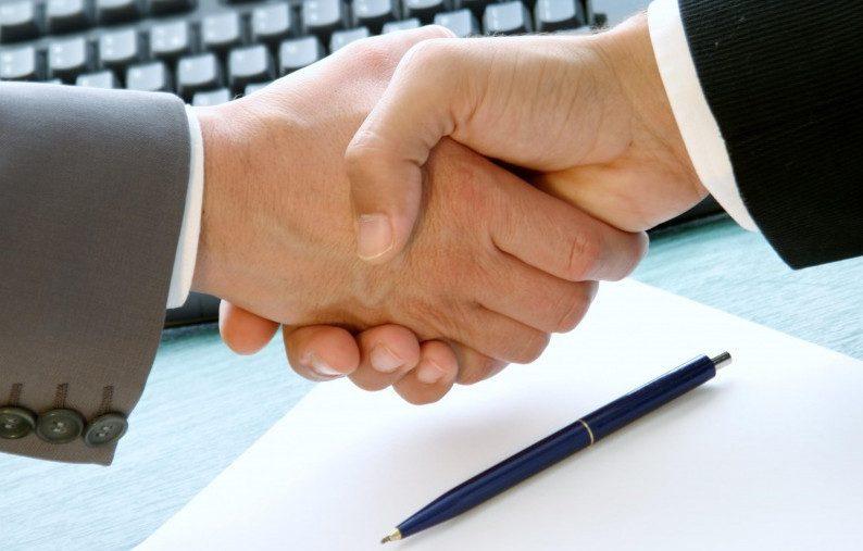 Изучение документа – важный и ответственный момент перед подписанием5c5b23e034292