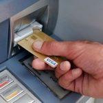 Что делать, если банкомат не выдал деньги, а списал их с карты?5c5b2603a3049