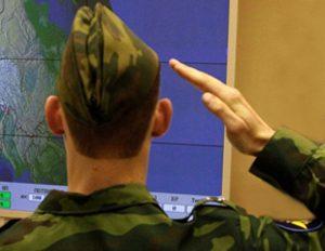 Военный в пилотке5c5b26c6b4a83