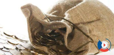 Выпуск карты Gold обходится в 350 рублей. Обслуживание золотой карты ВТБ 24 – 350 рублей в месяц, но при выполнении некоторых условий бесплатно.5c5b2ab040f85