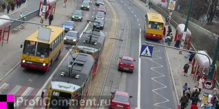 Движение общественного транспорта в городе5c5b36e749602