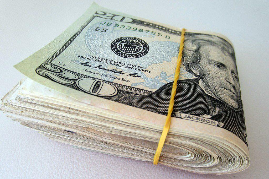 Деньги5c67b1c6175f7