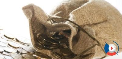 Выпуск карты Gold обходится в 350 рублей. Обслуживание золотой карты ВТБ 24 – 350 рублей в месяц, но при выполнении некоторых условий бесплатно.5c62536e4e5ac