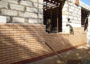 Конструкция кирпичных стен с утеплителем и термовкладышами5c627dce67db9