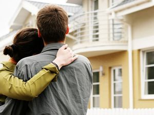 Кто может взять ипотеку на квартиру?5c62a04060561